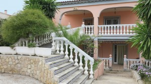Large property for sale in Torrent, Valencia – Ref: 014513
