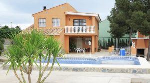 Large property for sale in Montroy, Valencia – Ref: 014510