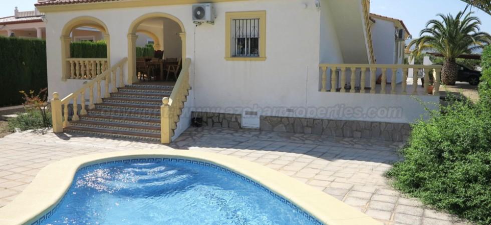 Sea view property for sale in Beniarbeig, Alicante – Ref: 015565