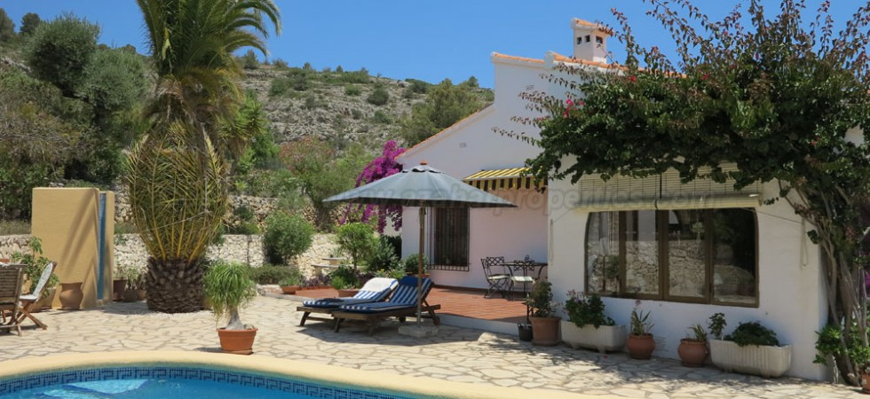 Beautiful villa for sale in Benissa Alicante – Ref: 015570