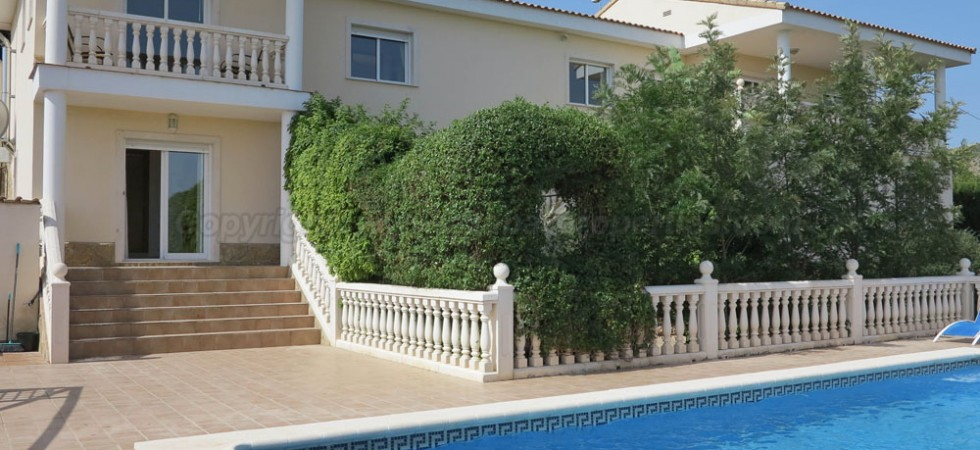 Luxury house for sale Alberic Valencia – Ref: 015580
