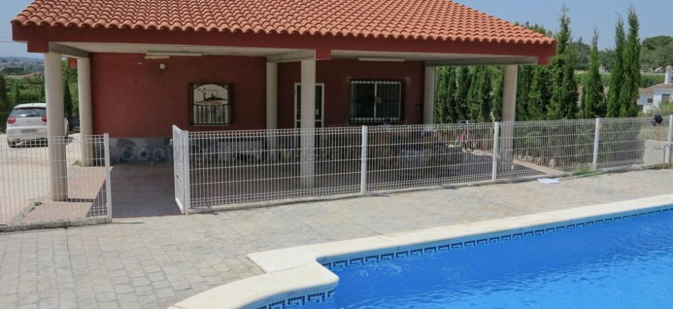 Property for sale in Monserrat Valencia – Ref: 015581