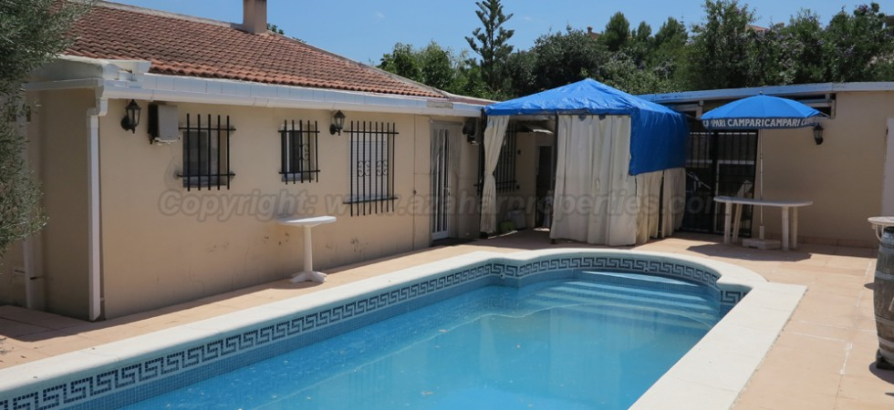 Villa for rental in Montroy Valencia – Ref: R015588