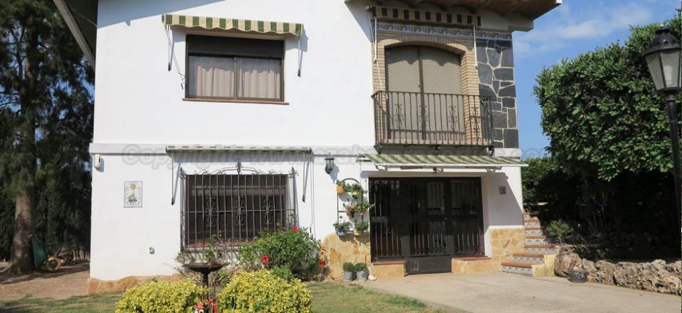 Villa for sale in La Pobla de Vallbona Valencia – Ref: 015566