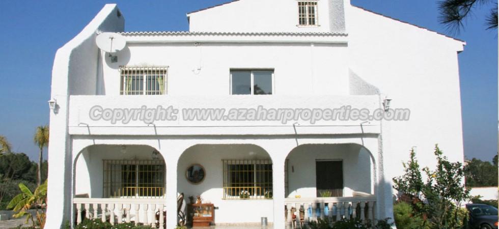 Unique property for sale in Monserrat Valencia – Ref 016607