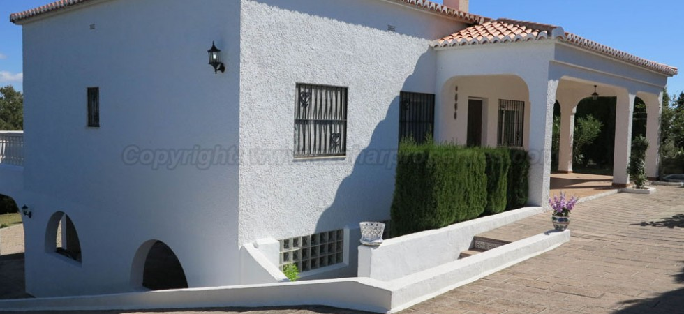 Impressive property for sale in Turis Valencia – Ref: 016618