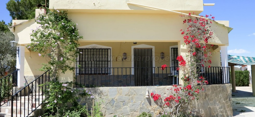 Country villas for sale Montroy Valencia – Ref: 016623