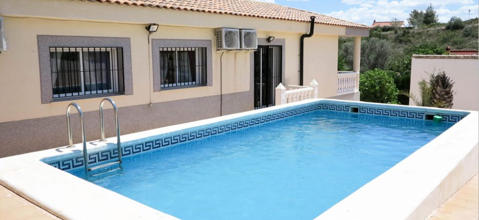Modern villa for sale in Montroy Valencia – Ref: 016628