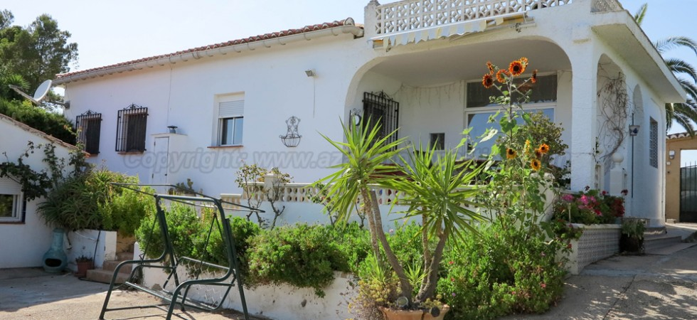 Charming villa for sale in Turis Valencia – Ref: 016631