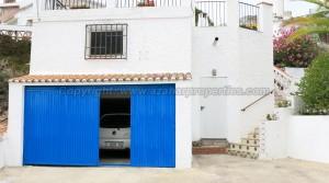Garage - 30m² With Mezanine Floor - 18m²Room 1 - 6m²