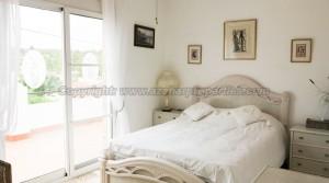 Bedroom 1 - 11m² With balcony terrace