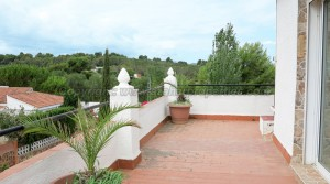 Balcony terrace - 39m² With access to upper roof terrace - 16m²