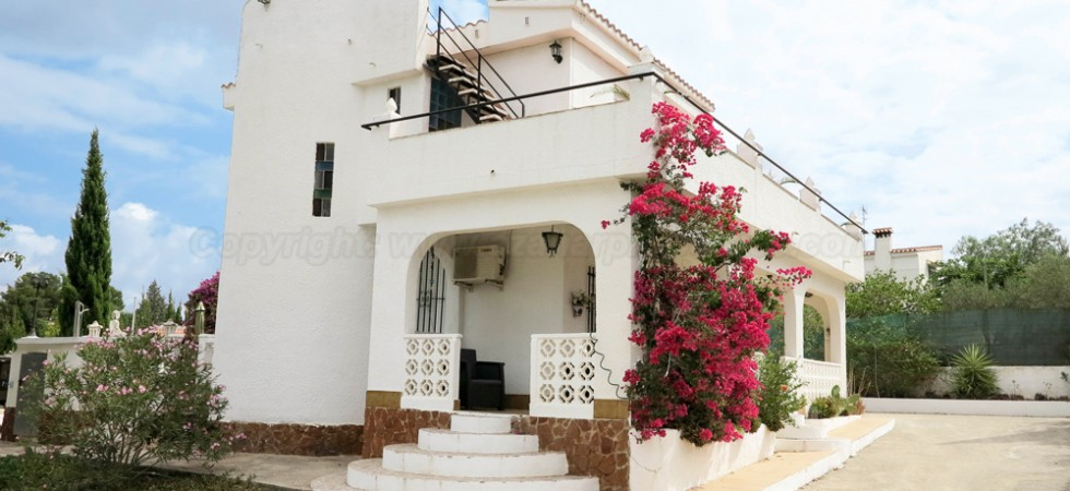 Mediterranean style villa for sale Torrent Valencia