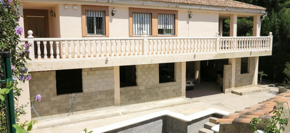 Large properties for sale in Turis Valencia