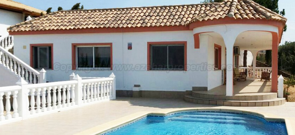 Property with views for sale in Alberic Valencia – Ref: 014542