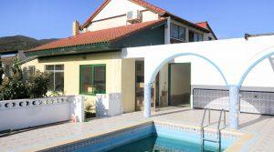 Country villa for sale in Chiva Valencia – Ref: 016656