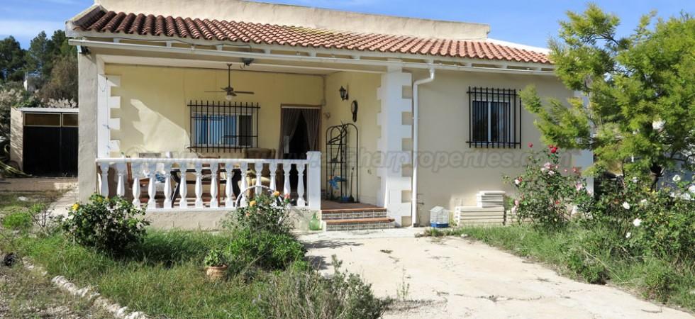 Bargain villa for sale Montroy Valencia – Ref: 016657