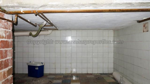 Under build Room 2 - 11m²Utility - 8m²Storage area - 10m² (not shown)