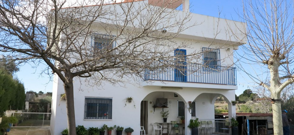 Large villa for sale Monserrat Valencia – Ref: 017675