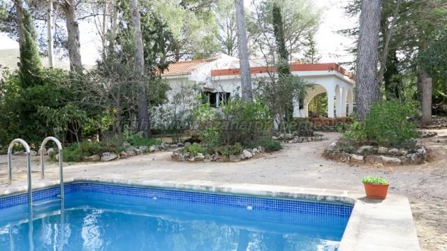 Country villas for sale Macastre Valencia