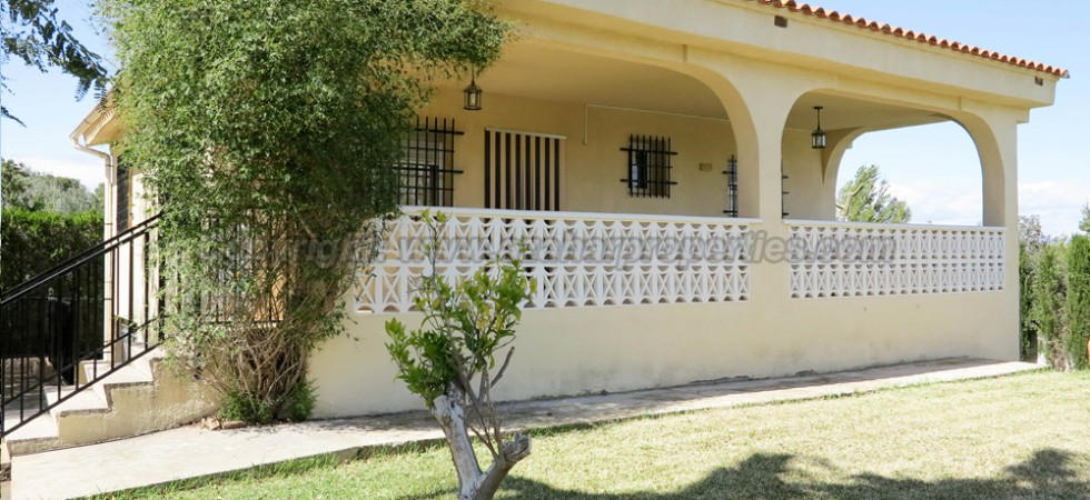 Immaculate villa for sale Vilamarxant Valencia – Ref: 017685