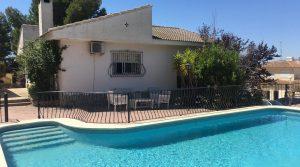 Large villa for sale Monserrat Valencia – Ref: 017686