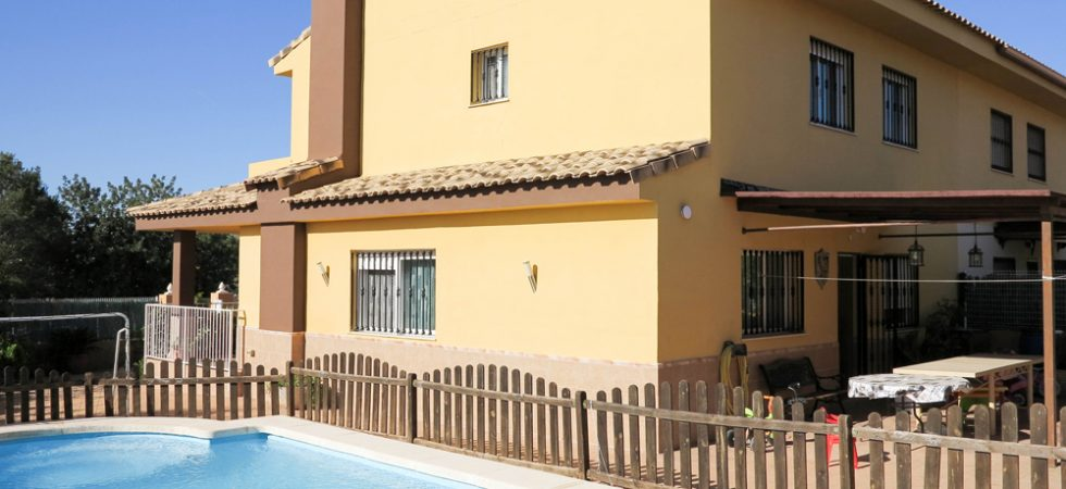 Modern property Monserrat Valencia – Ref: 017687