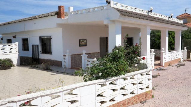 Cheap country houses for sale Pedralba Valencia
