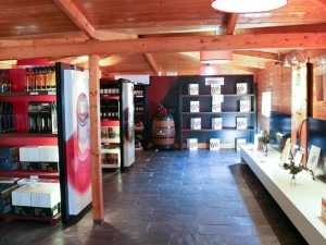 Hoya de Cadenas wine shop