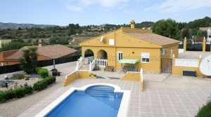 Appealing villa for sale Montroy Valencia – 017707