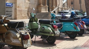 Vespas In Valencia – The Perfect Pastime!