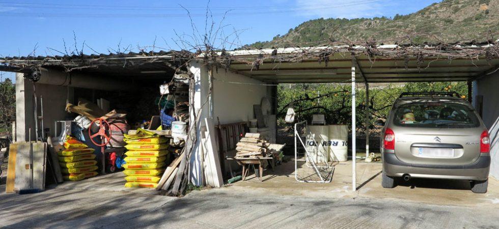 Double carport & wood store