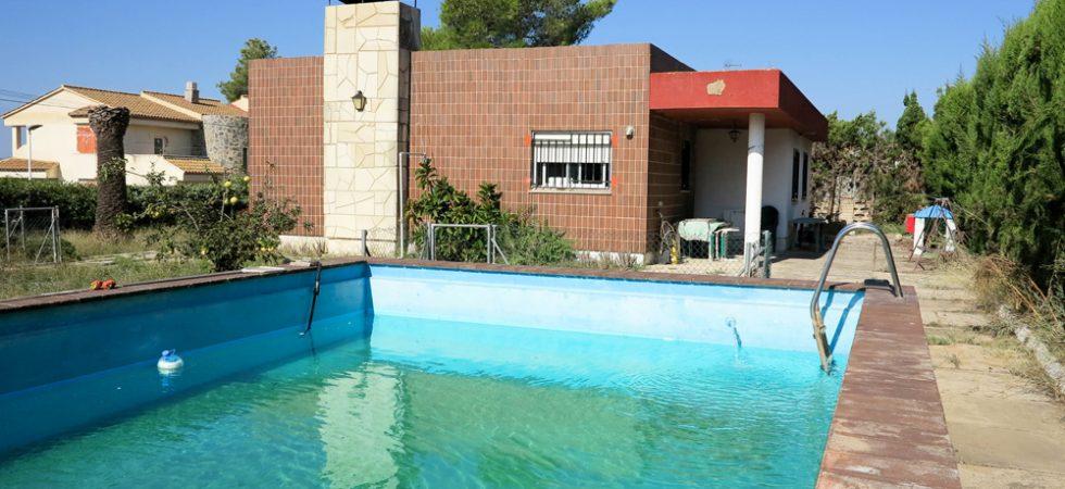 8m x 5m swimming pool