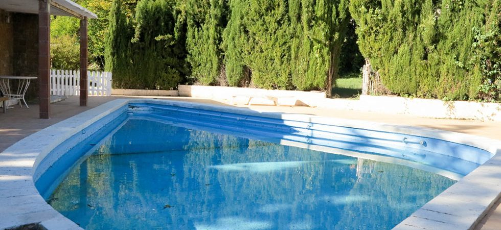9m x 5.5m swimming pool