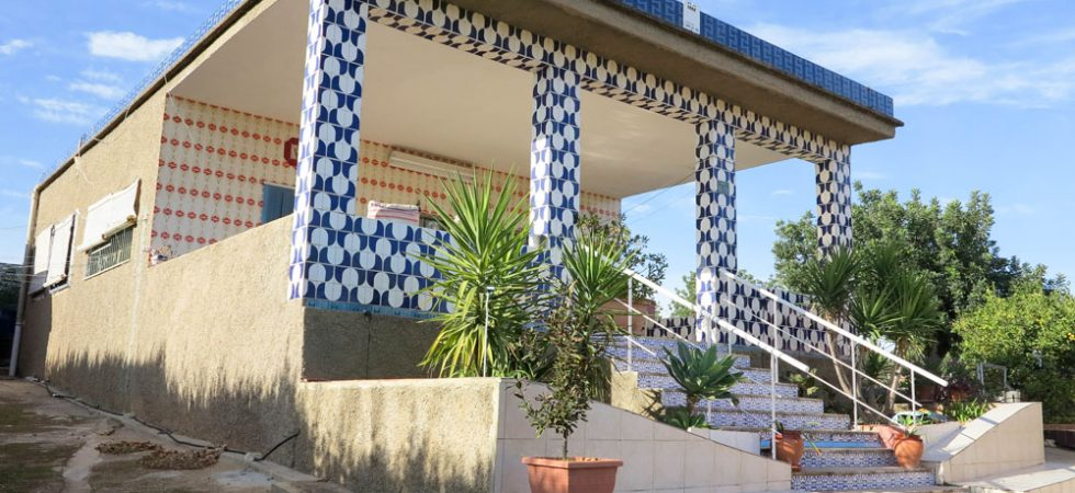 Villa with tennis court for sale Montroy Valencia – 018724