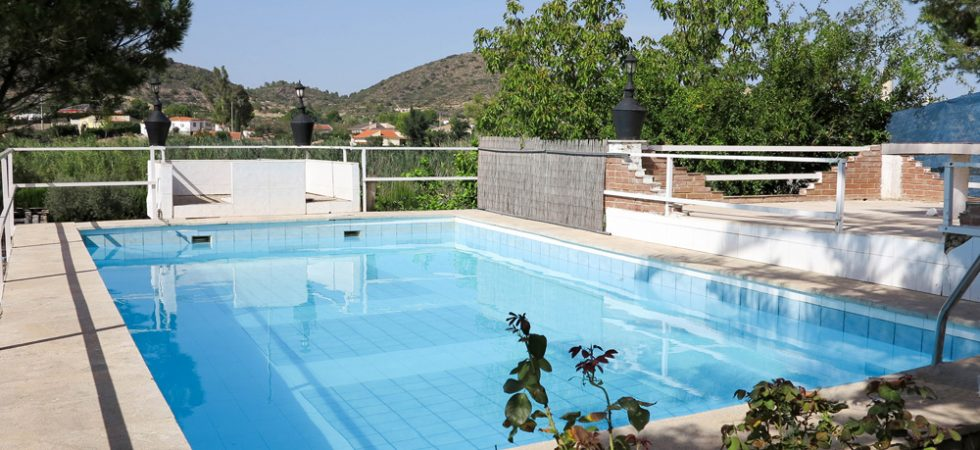 8.5m x 4m swimming poolRoof of store room - 21m²
