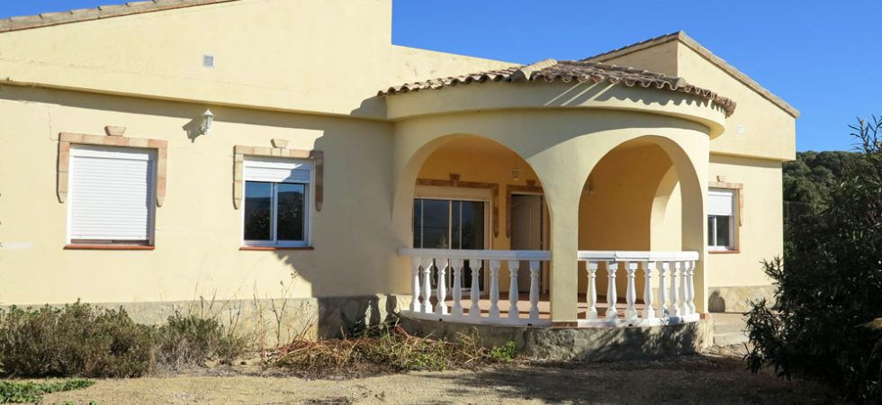 Modern villa for sale Montroy Valencia with views – 018726