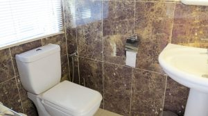 Outside bathroom - 4m²