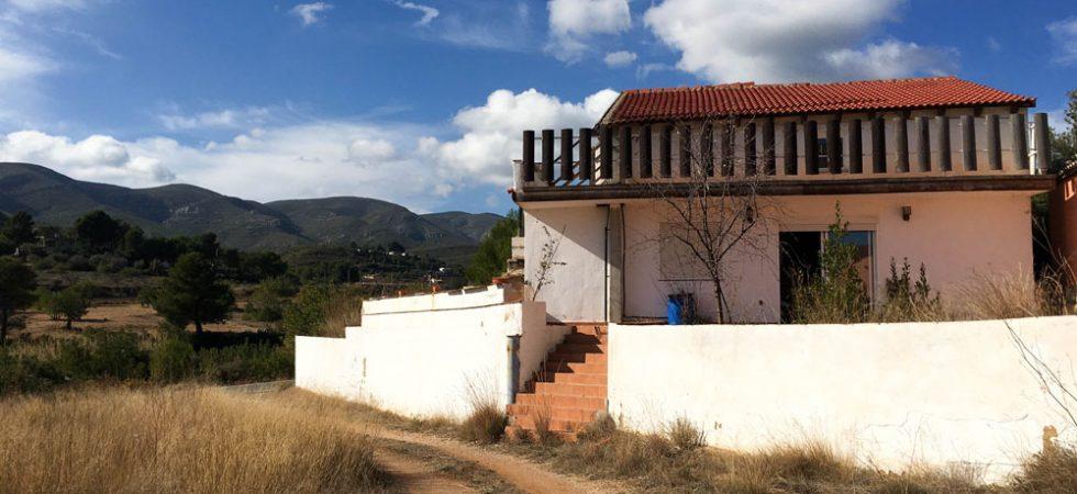 Rural property for sale Chiva Valencia – Ref: 018730