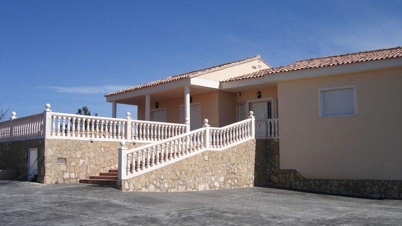 Beautiful modern villa for sale Alberic Valencia – 018733