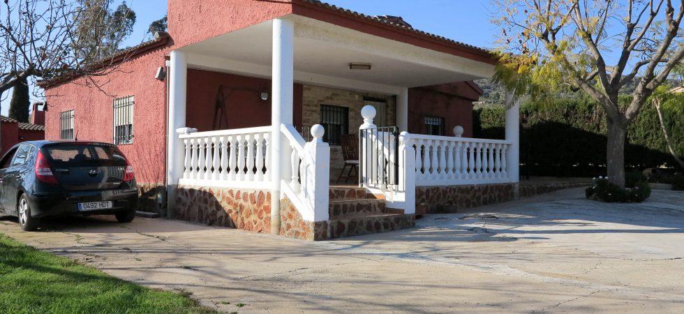 Villa to rent Montroy Valencia – R018735