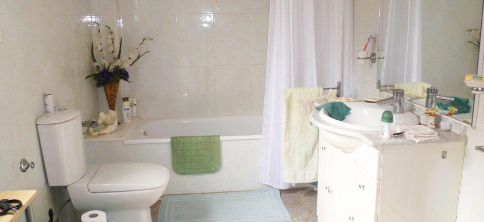 Apartment Bathroom - 7m²