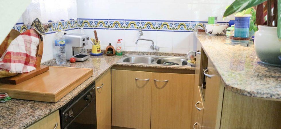 House 1 Kitchen - 4m²