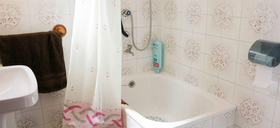 House 1 Bathroom 2 - 3m²