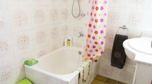 House 2 Bathroom 2 - 3m²