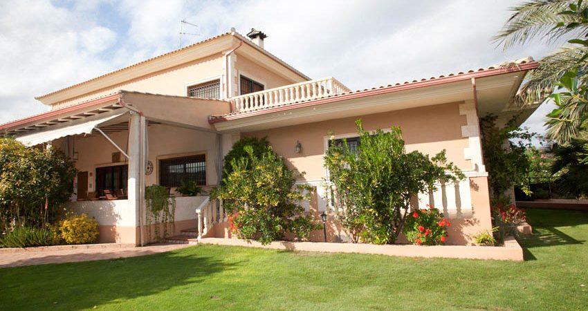 Luxury villa for sale near Picassent Valencia – Ref: 018738