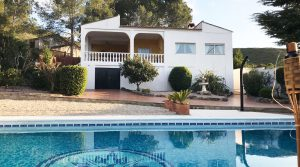 Mediterranean villa for sale in Macastre Valencia – Ref: 018741