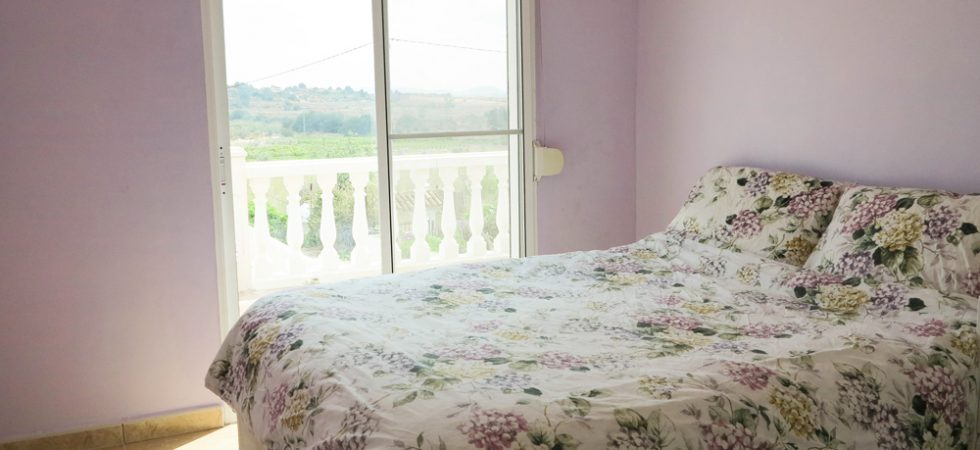 Bedroom 3 - 10m²With access onto balcony terrace