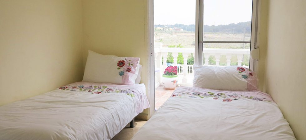 Bedroom 4 - 9m²With access onto balcony terrace