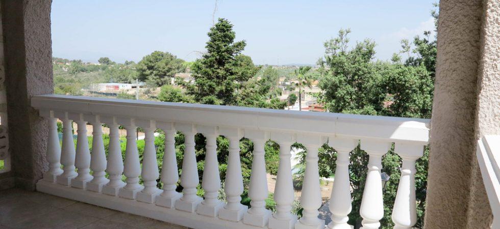 Bedroom 1 Balcony terrace - 8m²